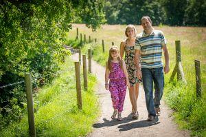Outdoor-Family-Portraits-Cheshire-0008.jpg