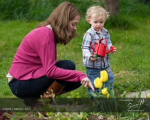Wilmslow-Family-Photographer- Easter-egg-hunt.jpg