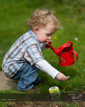 Wilmslow-Family-Photographer-Easter-egg-hunt.jpg